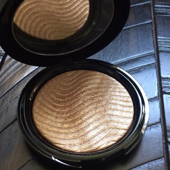 Makeup Forever Other - Makeup Forever Highlighter in Gold